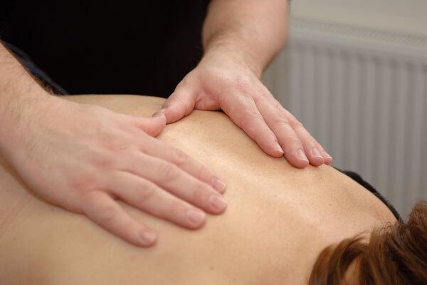 Massage van de rug - Fysiotherapie bij Fysio 4 in Groningen